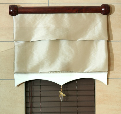 Roman Blind with Tassle